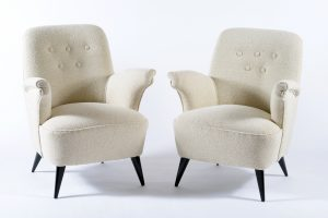 Pair of Castelli Bologna Italia Mid Century armchairs with black laquered wood conical slender leggs. Newely covered with cotton fabric. Castelli Italia 1950.Coppia di poltrone della Castelli 1950 Image