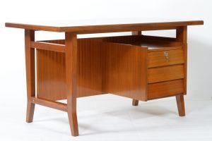 Gio Ponti writing desk for Schirolli Italian Mid-Century 1960. Gio Ponti per Schirolli Padova Scrivania 1960 Image