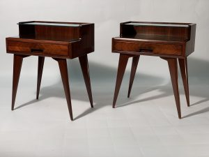 Mid Century Pair of Italian Double Shelve Bedside Tables 1950. Coppia di comodini anni 50