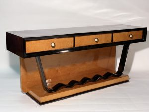 Art Deco Low Console Chest of drawer Precious Wood Brass Bakelite Handles .Consolle Decò Italiana in palissandro e acero fiorito .1930 Image