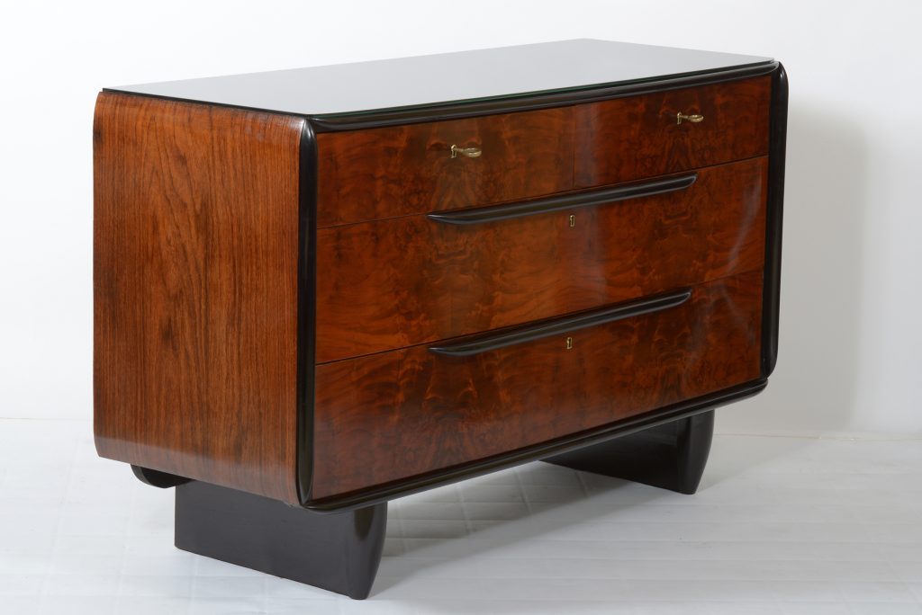 Fagioli Art Deco Italian Chest of Drawer black laquered details. Cassettone italiano 1930 Image